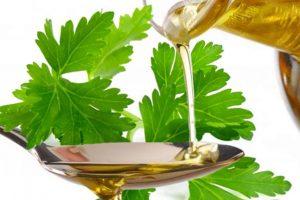 Welche Eigenschaften hat das Petersillienöl?