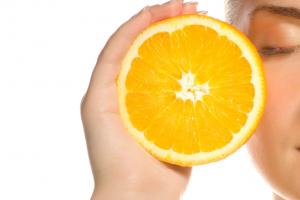 Das ist ein echtes Phänomen! Wie wirkt Vitamin C auf die Haut?