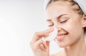 Pflege der empfindlichen Haut mit einem Mizellen-Reinigungswasser: So geht's!