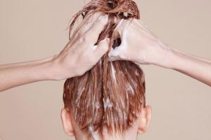 Haarmasken mit Keratin, also Rettung für strapazierte Haare