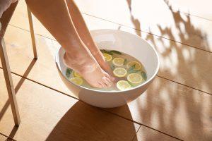 Schöne Füße in drei Schritten